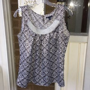Gap Gray and White Sleeveless Blouse